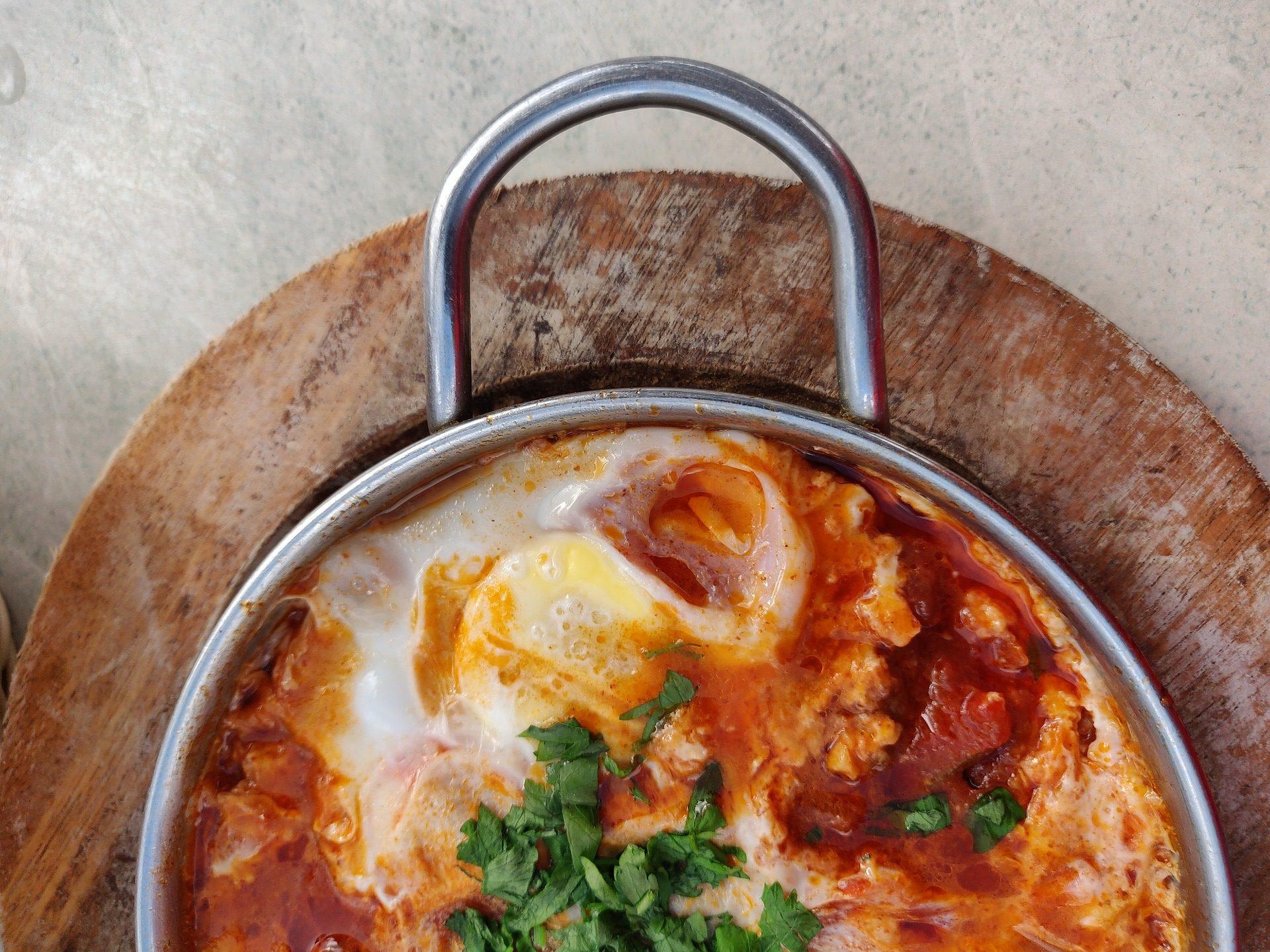 Шакшука — классический рецепт с помидорами