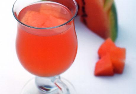 полезные напитки на лето в жару из арбуза