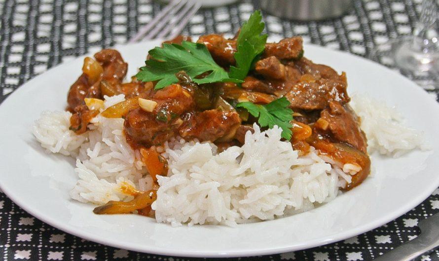 Острая тушеная баранина с рисом