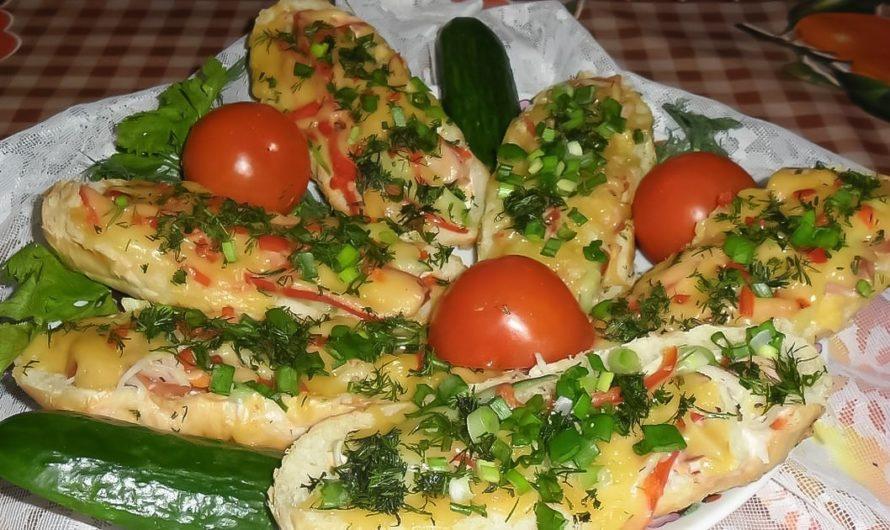 Горячие бутерброды с сосисками на завтрак