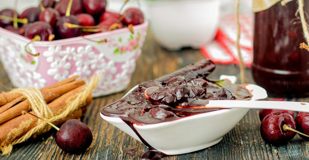 Как сварить вкусное и ароматное варенье с вишней и корицей