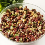 рецепт простого и вкусного салата из красной фасоли с грецкими орехами
