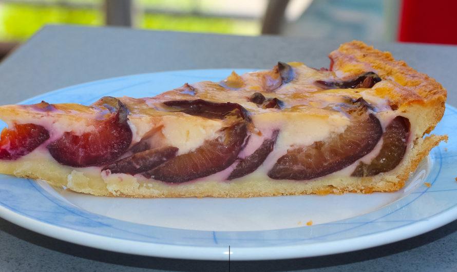 Пирог со сливами в микроволновой печи