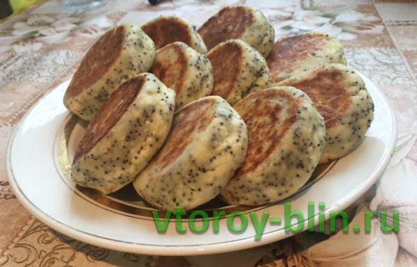 Сырники с маком: рецепт с фото