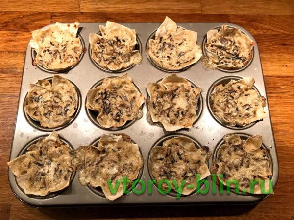 Корзинки из лаваша с грибами в духовке