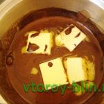 Шоколадный рулет из печенья без выпечки